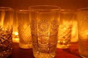 バカラやサン・ルイ、ラリックなどの煌めくグラスの数々